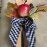 100円ショップダイソー秋の木の実インテリア「ナッツピック」